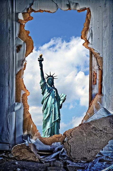 'Muslim woman' who holds aloft US torch of liberty