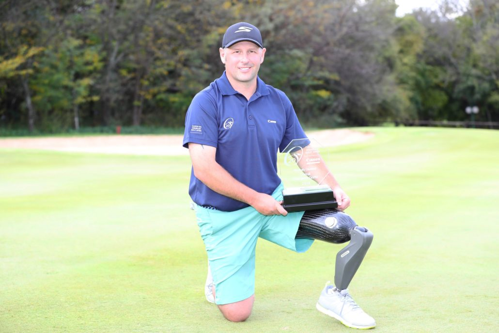 How philanthropist gave injured soldier a leg up in the world of professional golf
