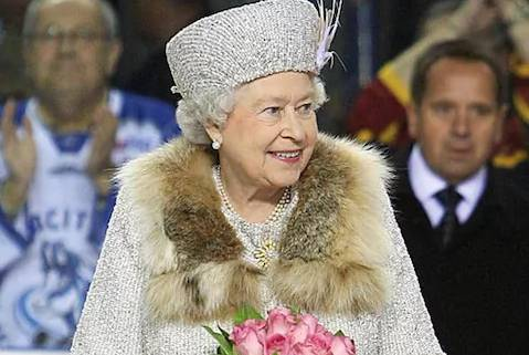 Here is the Royal news fur free… Queen refuses animal skins in her new outfits